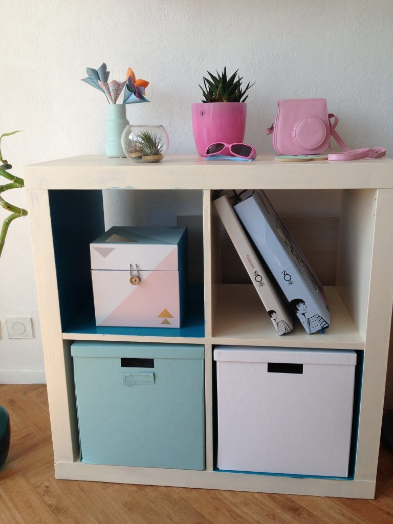 relooker son meuble ikea avec les peintures v33 la fille a panier. Black Bedroom Furniture Sets. Home Design Ideas